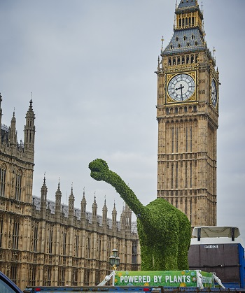 Florasaurus pays a visit to Parliament Square as the spreads brand pledges to connect children and families with the power of plant based foods and where their food comes from, through a landmark £12.5 million* initiative.