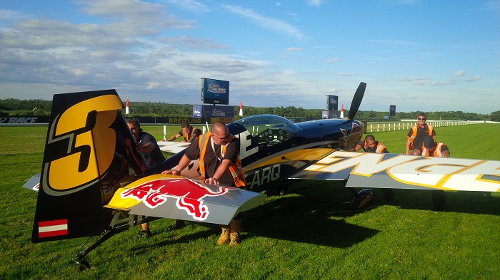 showforce-crew-onsite-at-the-red-bull-air-race1464710little