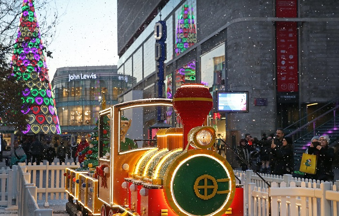 Liverpool ONE Magical Lego Christmas Train. Images by Gareth Jones