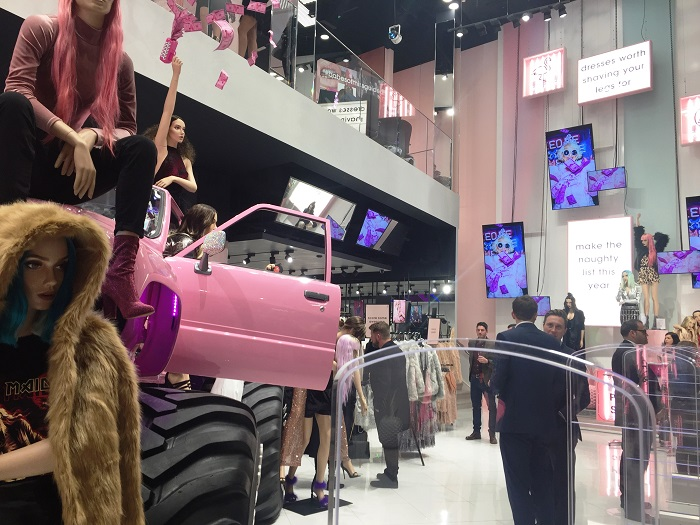 smart-led-digital-screen-install-for-missguided-little