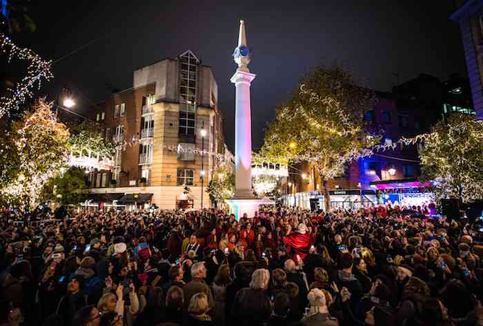 EDITORIAL USE ONLY Crowds gather around the iconic Seven Dials monument in London tonight for the annual Christmas lights switch on. PRESS ASSOCIATION. Picture date: Thursday November 16, 2016. Photo credit should read: John Nguyen/PA Wire