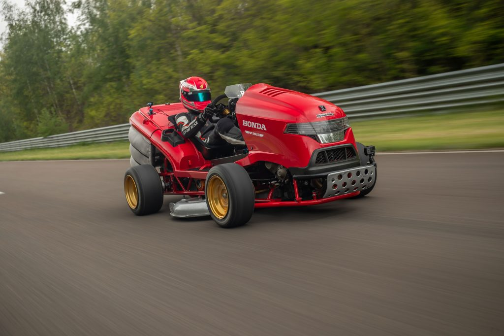 2133093_Fastest acceleration 0-100 mph for a lawnmower _prototype_