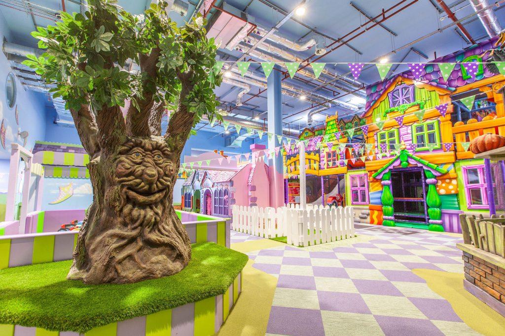 Storytelling Tree, Fun Street Silverburn