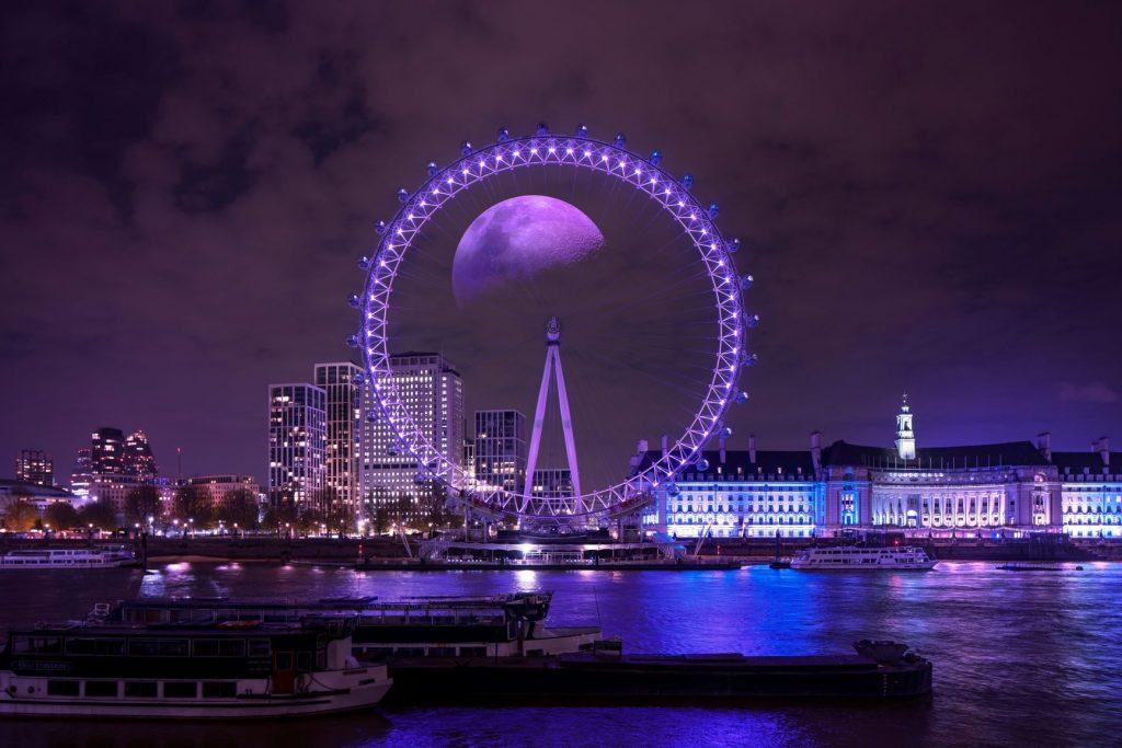 Taco Moon over London[1][1] resized